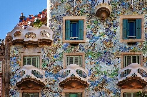 Key Characteristics of the Art Nouveau Style