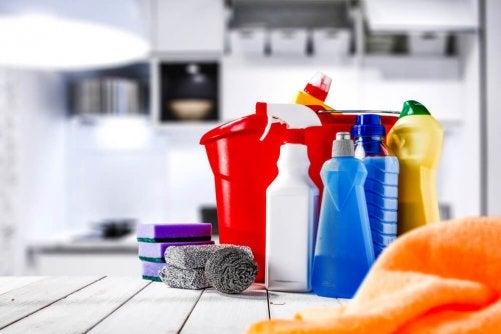 A bunch of cleaning supplies and materials.