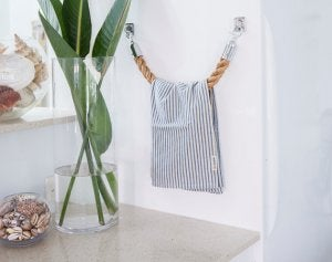 DIY bathroom ideas: a rope towel holder.
