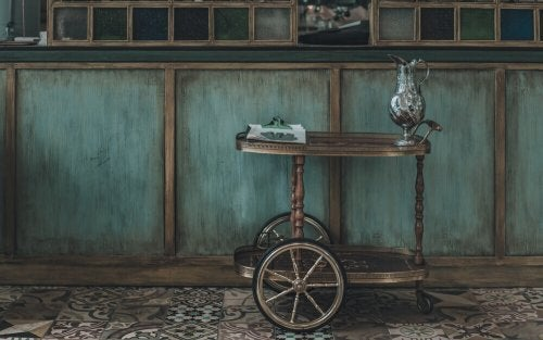 Vintage Drinks Trolleys for the Living Room