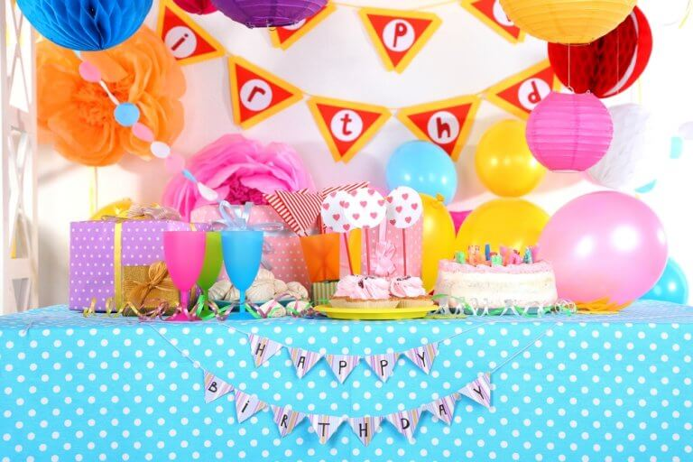 Decorating a colorful birthday party table