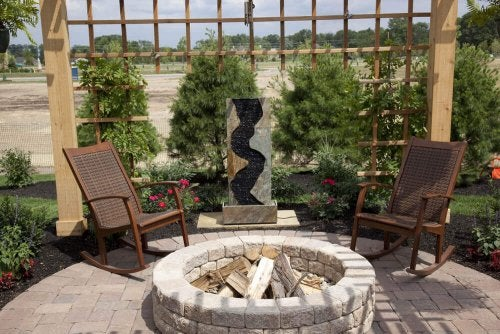 Tips for Building a Fire Pit in Your Backyard