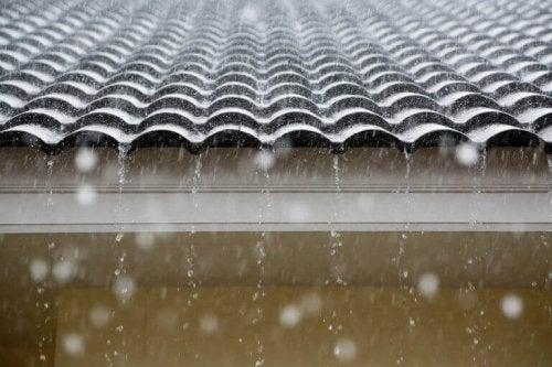 Waterproof Coatings for Cool Roofs