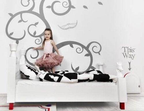 Alice in Wonderland themed room.