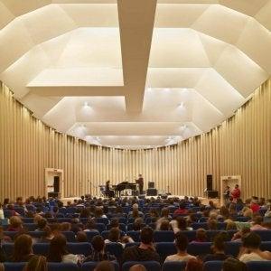 L'aquila auditorium designed by Shigeru Ban.