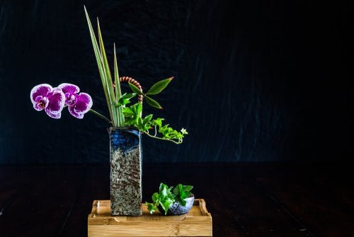 A nagerie style flower arrangement.