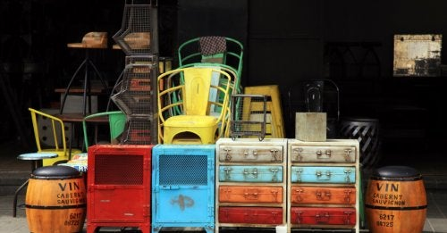 Second hand objects.