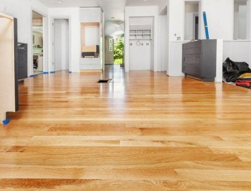 The Best Ways to Polish and Shine a Floor