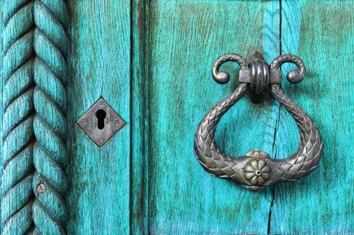 A blue door.