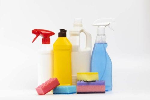 An assortment of cleaning supplies.