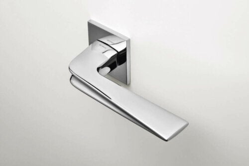 One of the many door handles designed by Olivari is Chevron.