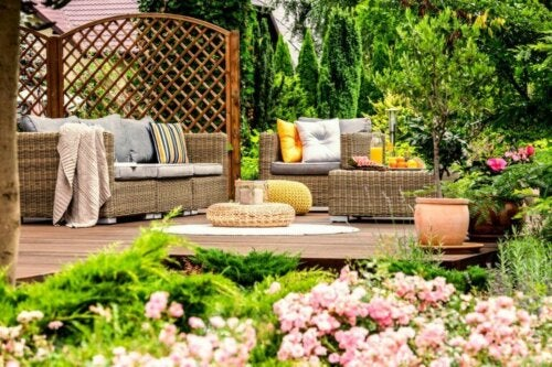 Original Ideas to Decorate Your Garden and Terrace