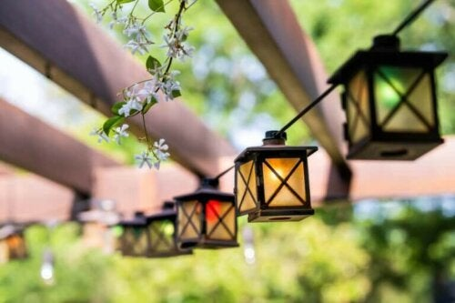 Types of Lanterns For The Garden