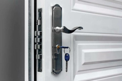 Invisible Locks - How Do They Work?
