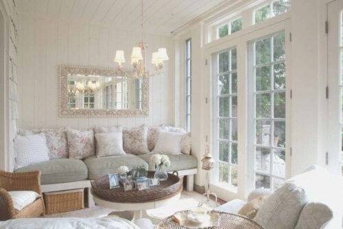 A beautifully decorated, romantic style living room.