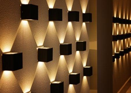 Cube wall lamps to illuminate dark areas