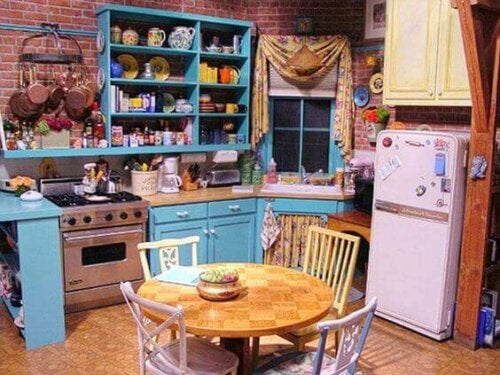 The kitchen is an iconic spot in the Friends apartment.