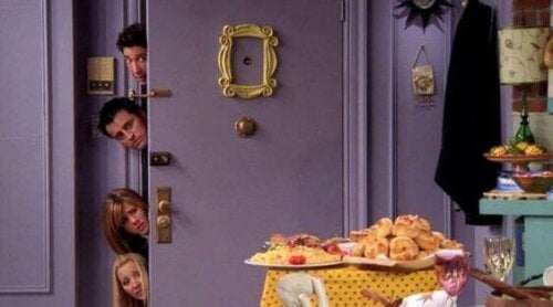 One iconic feature of the Friends apartment is the gold frame.