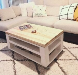 White wooden pallets: DIY coffee table.