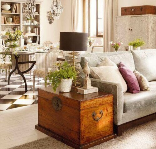 In-Style Storage – Trunks, Suitcases, and Baskets