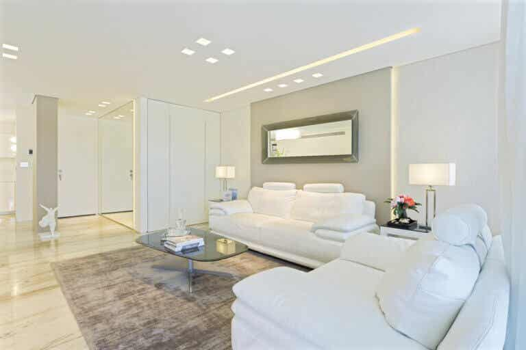 6 Ideas to Make the Best of Plain White Walls