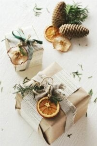 Gift wrapping with dried fruit and veg.