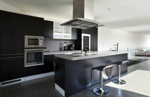 Black Kitchens - the Ultimate Temptation