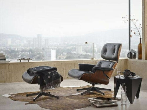Sophisticated Seating - the Lounge Chair and Ottoman