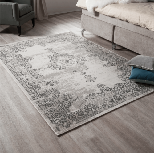 Vintage style rugs are very fashionable.