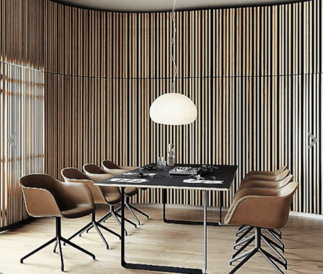 Curved walls in a dining area