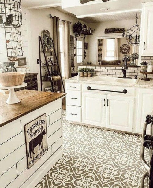A white farmhouse kitchen.