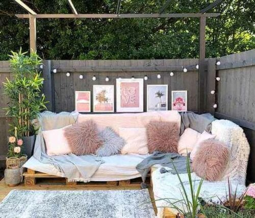 Ten Ideas for a Beautiful and Charming Garden