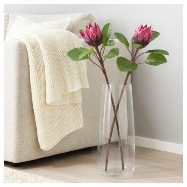 Decorating your Home Using Artificial Flowers and Plants