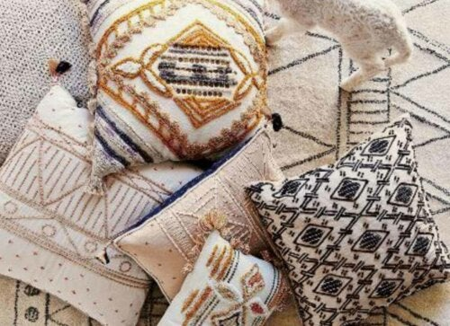 Some geometric patterned pillows.