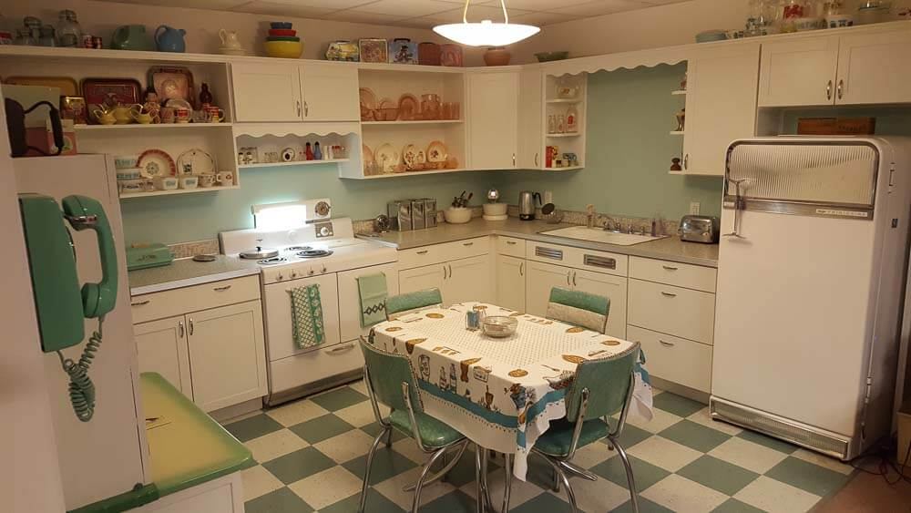 The Key to Creating a Vintage Kitchen - Decor Tips