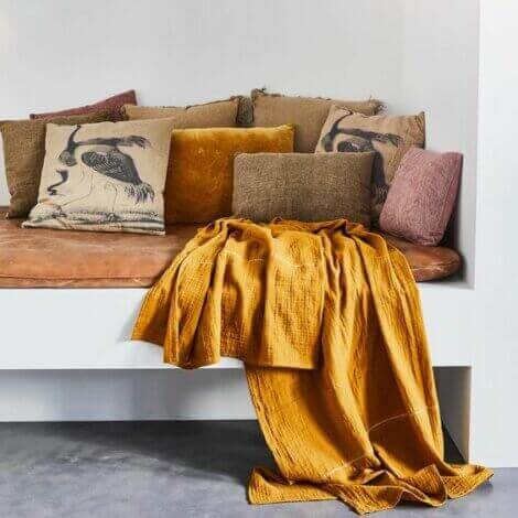 The color chre on bed linens