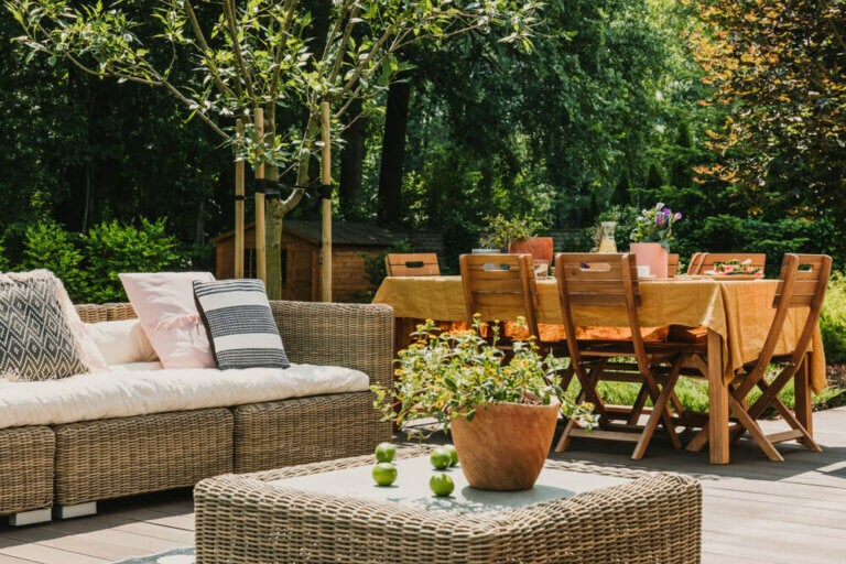 How to Transform Your Backyard Into a Recreational Space