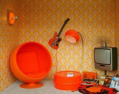 Is There a Difference in the Terms Retro, Vintage, and Antique?