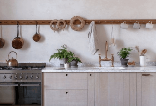 A simple kitchen.