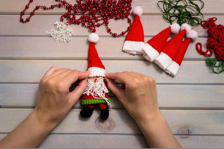 DIY Christmas Decorations to Make on a Rainy Day