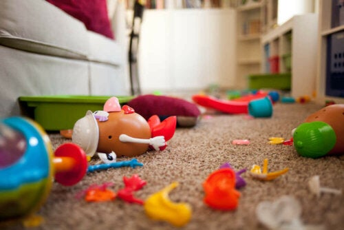 Organizing kids' toys prevents a big mess.