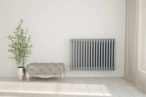An old radiator which makes it difficult to reduce the temperature.