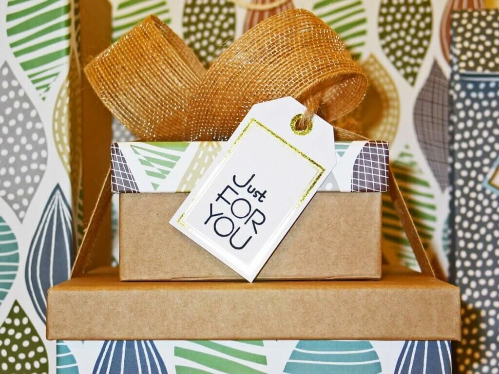 Gift wrapping tags in their box.