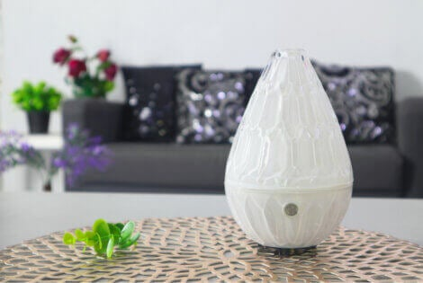 differences between humidifiers and diffusers
