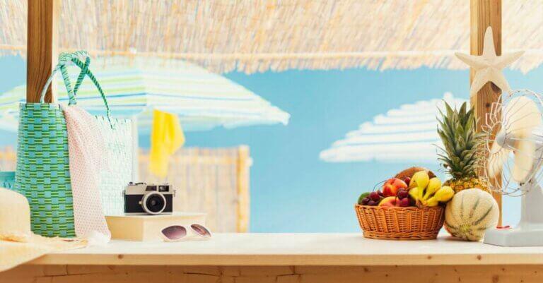 A Garden Bar To Enjoy in Summer