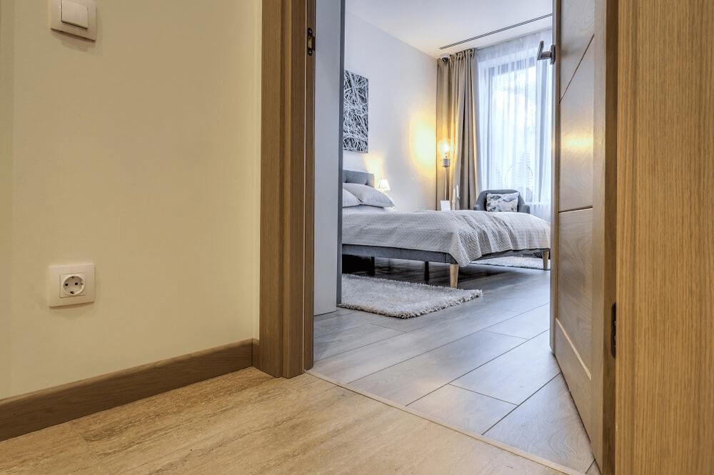 characteristics of glued parquet floors