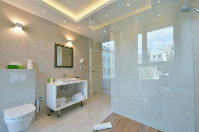 Cleaning Bathroom Tiles Has Never Been Easier! Tricks and Remedies