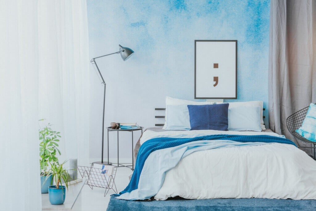 Blue and White - the Perfect Combination for the Bedroom