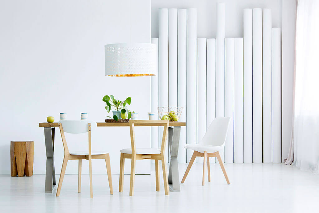 How to Decorate a Minimalist Dining Room