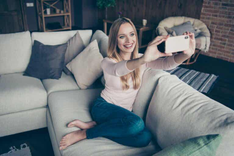 Show Your House off Through Social Networks: A New Trend